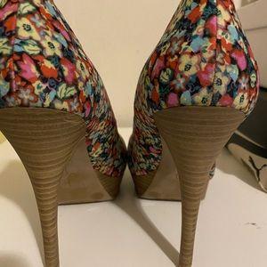 Jessica Simpson Floral Platform Heel